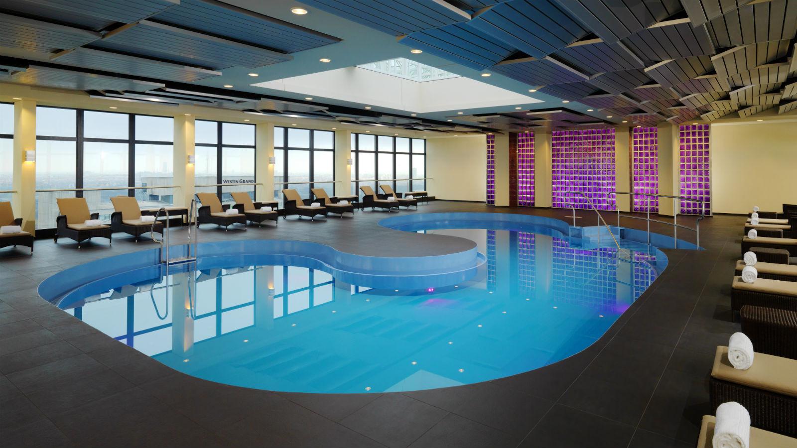 Pool Sheraton Muenchen Arabellapark Hotel